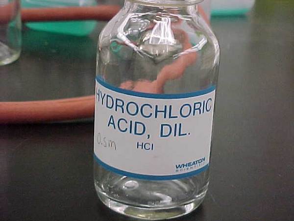 Dung dịch HCl cũng được sử dụng trong xử lý nước hồ bơi